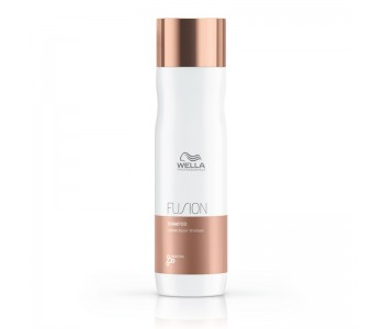 Интенсивный восстанавливающий шампунь, 250мл/Wella Fusion Shampoo